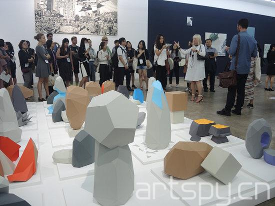 Artistic-director-Maria-Lind-talking-about-Tommy-Stockel-The-Gwanjgu-Rocks-hand-crafted-paper-sculptures-based-on-3d-scans-of-local-rocks_副本.jpg