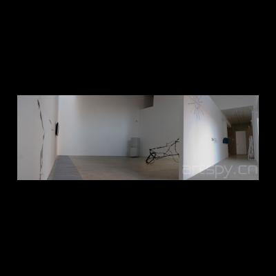展览现场 第一个空间是艺术家 赵要、徐渠、闫冰作品