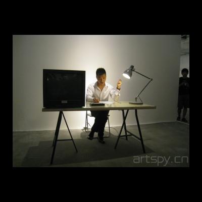 鄢醒 接受史 2012  行为,录像装置