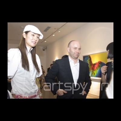 左一 模特马艳丽 摄影家 索威 ? 桑德波