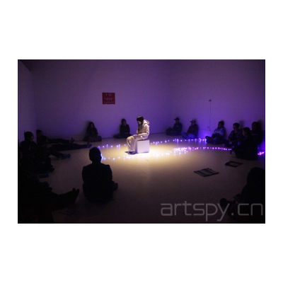 王欣《X区的Open行为艺术节》90分钟 室内