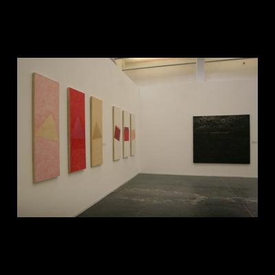 """(左),刘鼎,《""""三个角度""""1》,2001"""