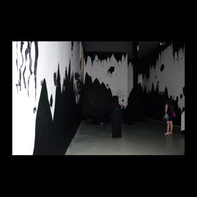 胡任乂,星际大战,装置,斜截面纸,钢丝,织物,LED灯,尺寸可变,2013