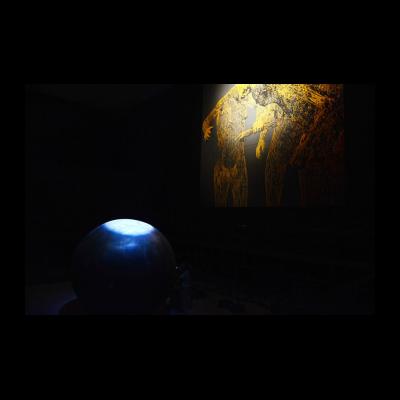 隋建国,运动的张力2,雕塑,不锈钢,直径3.2m,2015